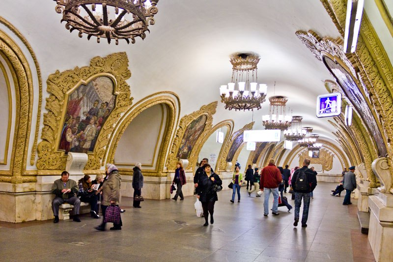 beautiful-moscow-metro-stations-1[1]
